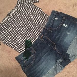 Distressed shorty short
